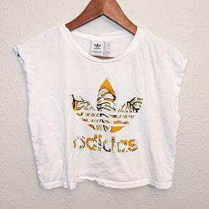 Adidas t-shirt crop top street style